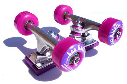 芽育スケートボード lovelycruise
